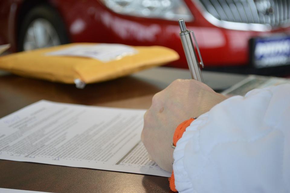 underskrivning af kontrakt