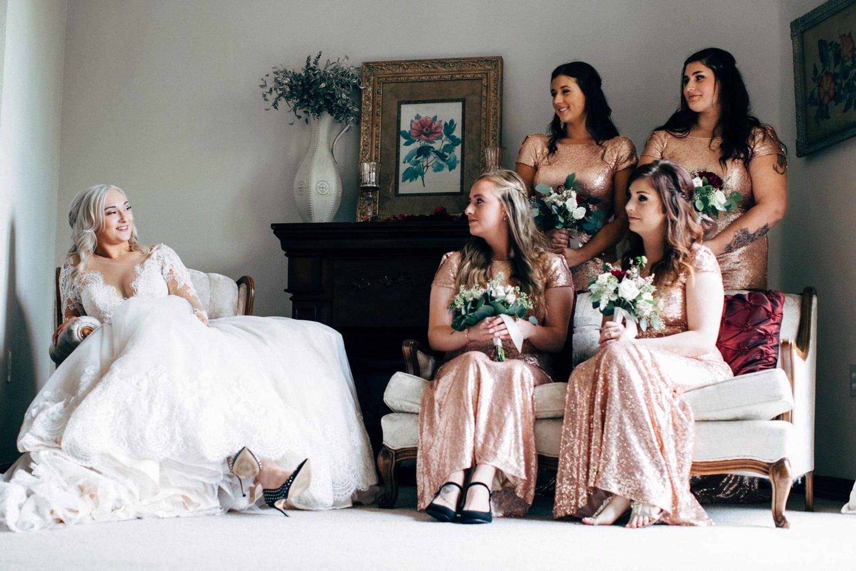 Bruden er den eneste i hvid
