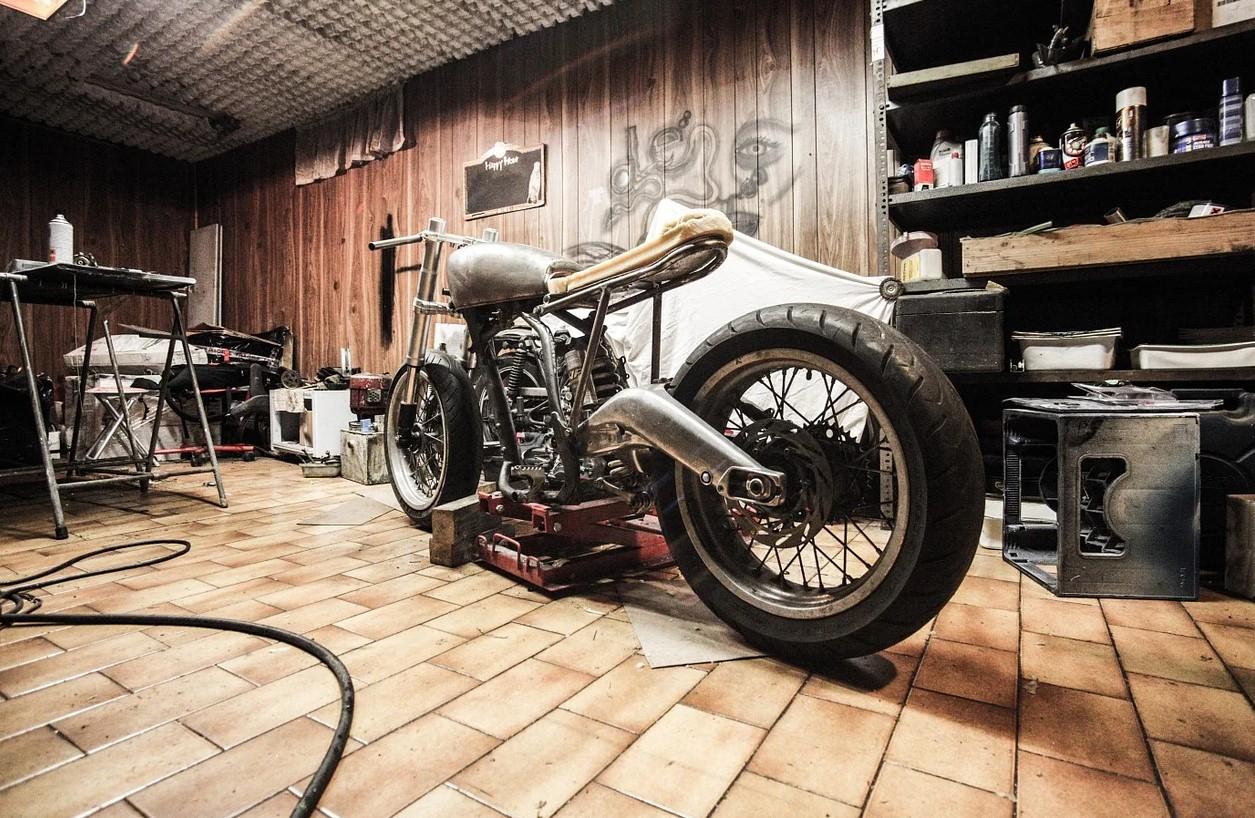 Motorcykelværksted
