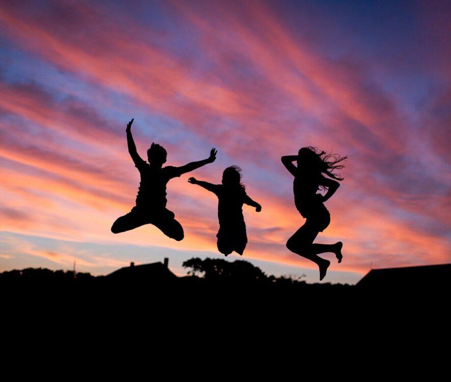 unge mennesker der hopper
